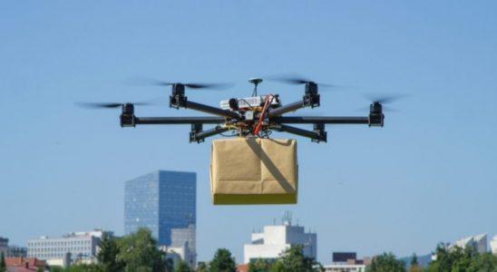 Drone avec un colis