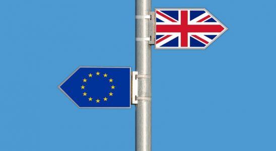 Panneaux opposés UE et Royaume-Unis